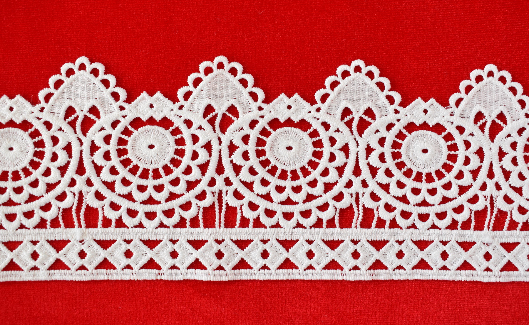 Lace: Not embroidered «69102-8»