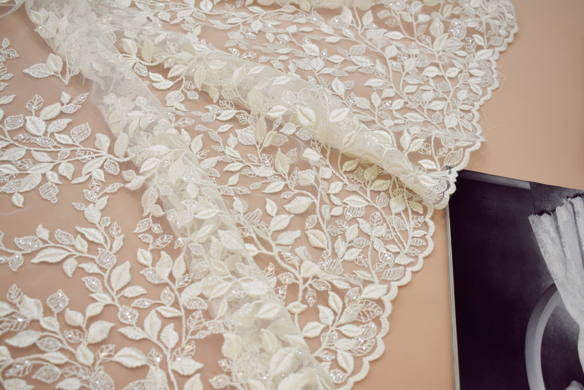 Guipure: With sequins «7500G-NT52»