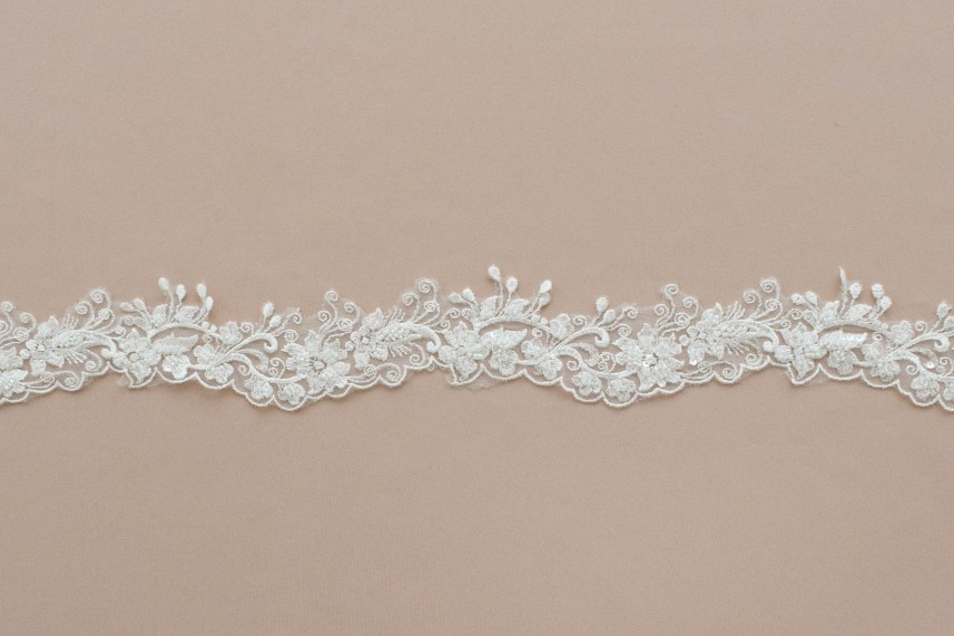 Lace: On veils «88020»